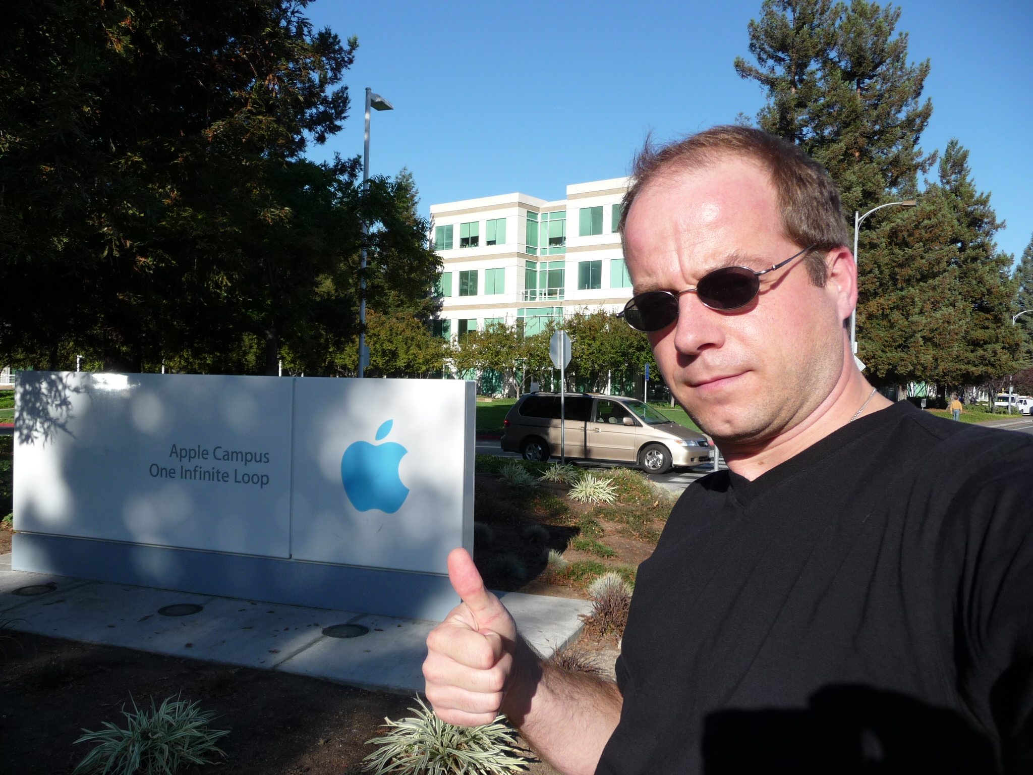 CoDriverJames at APPLE mothership in Cupertino, Silicon Valley, CA